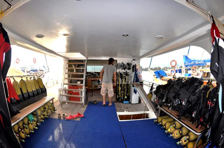 Vertigo-Aquapro's luxury dive boat